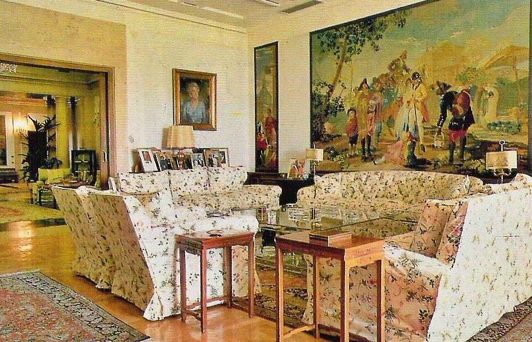 Palacio de versalles - Apartamentos turisticos casas de los reyes ...